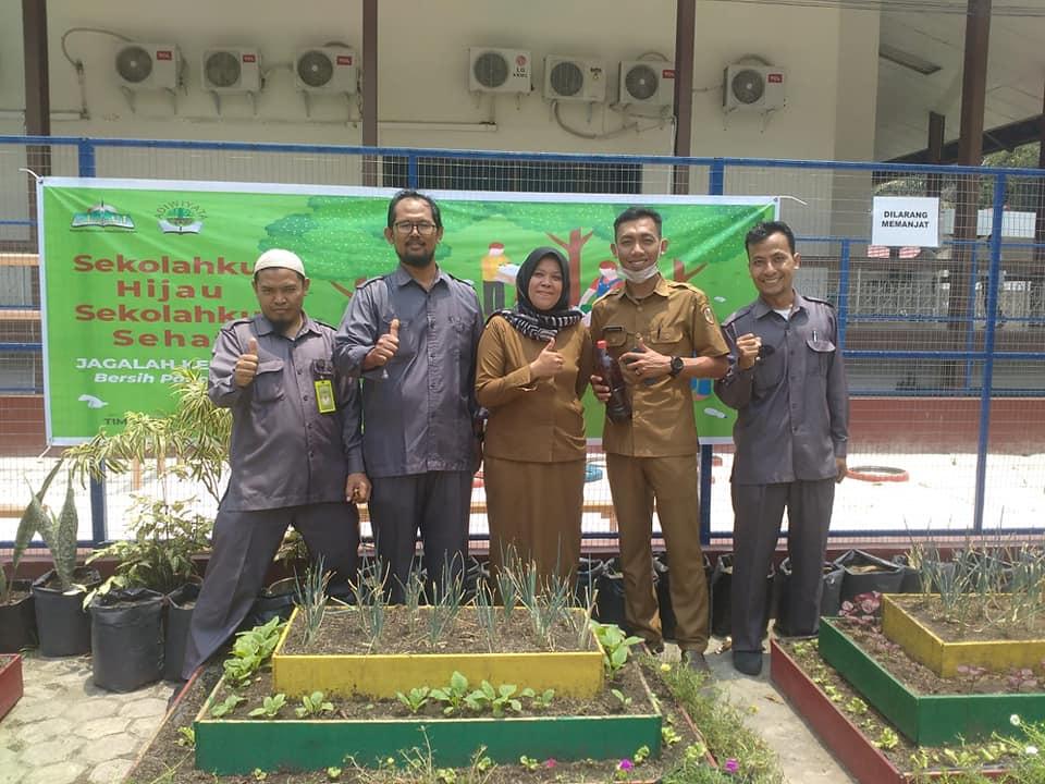 Kunjungan Dinas Lingkungan Hidup ke SDIT Al-Ittihad