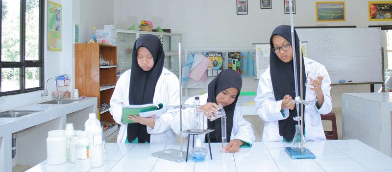 Labor Kimia Al-Ittihad