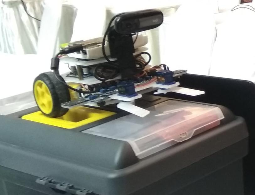 Robot pemilah sampah karya siswa MTs Al-Ittihadiyah