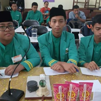 Delegasi MTs Al-Ittihadiyah Raih Juara 2 Cerdas Cermat Olimpiade Fisika se-Sumatera