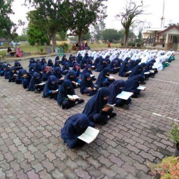 73 Siswa MTs Khatam Tilawah Al-Quran Selama Periode Juli-Agustus
