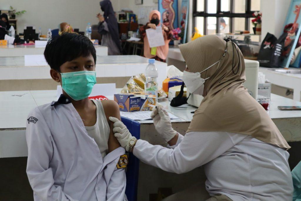 YKPI Al-Ittihad & POLDA RIAU Gelar Vaksinasi Massal Untuk Pelajar